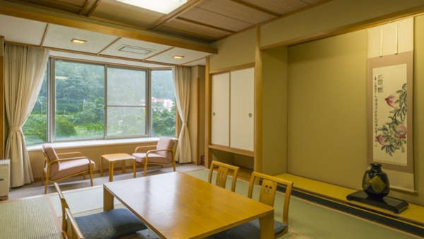 利根川を望む和室10畳(禁煙・トイレ付)