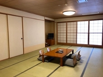 【和室】落ち着いた雰囲気の和室でゆったりと。