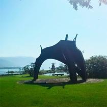 *【洞爺湖】湖畔にある洞爺湖町にはアート作品も並び、散策も楽しい。