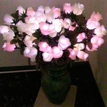 *【館内一例】夜はお花のイルミネーションが館内をかわいらしく彩ります♪
