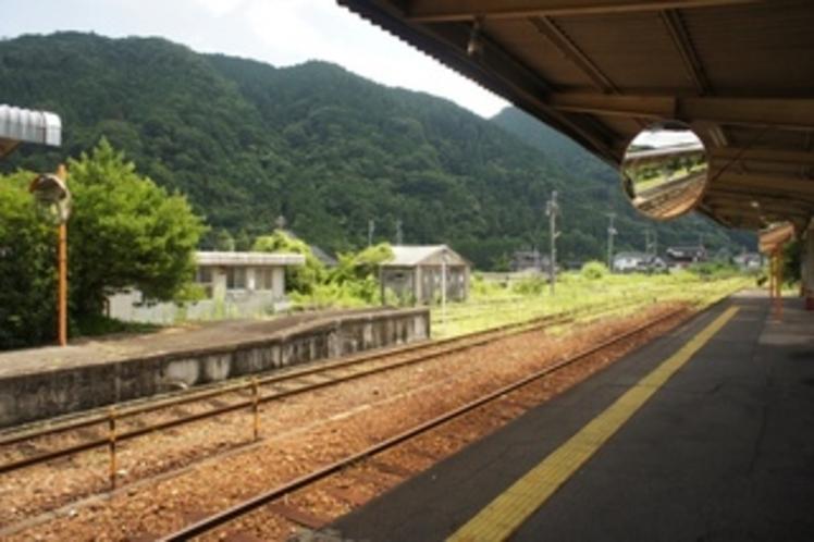 勝山駅ホーム