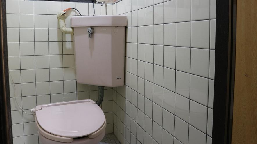 *トイレは全室共用となります。予めご了承下さいませ。