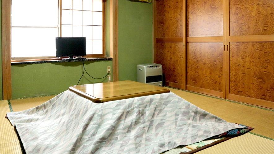 *お風呂側別館2階(すずらん・しゃくなげ)/冬季はこたつをご用意してお待ちしております。