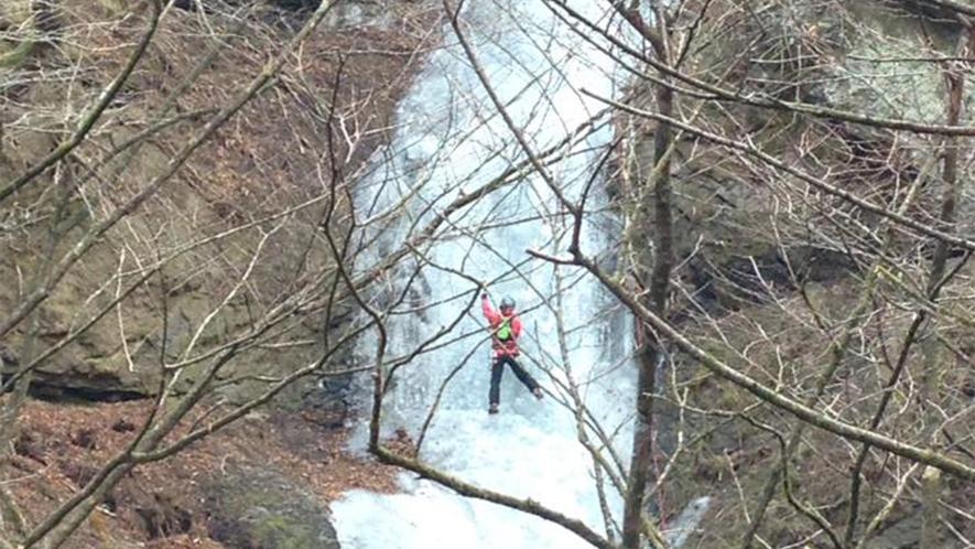 *冬/滝を利用したアイスクライミングが人気です。