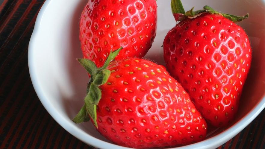 *朝食一例/季節のフルーツも食後にどうぞ。すいかやいちごなど、旬のものをご用意。