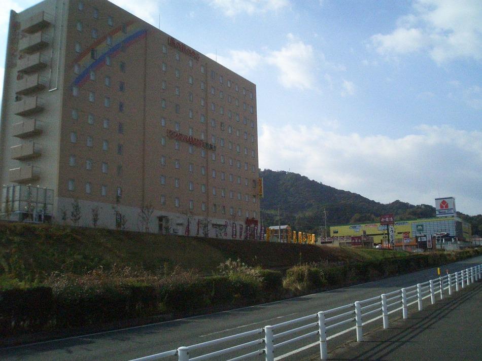 ホテル外観(3号線側)