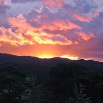 *【夕景】美しい夕焼けに心も癒されます…