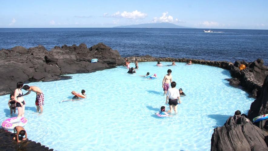 *【伊豆海洋公園の磯プール】日本一海に近いプールです!