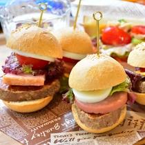 *【朝食セミビュッフェ一例】自分だけのオリジナルサンドウィッチやホットサンドを!
