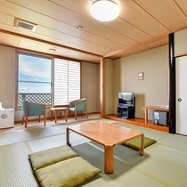*【和室10畳】ゆったりとした造りのお部屋です。