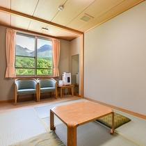 *【和室6畳】明るい印象の日当たりの良いお部屋です。