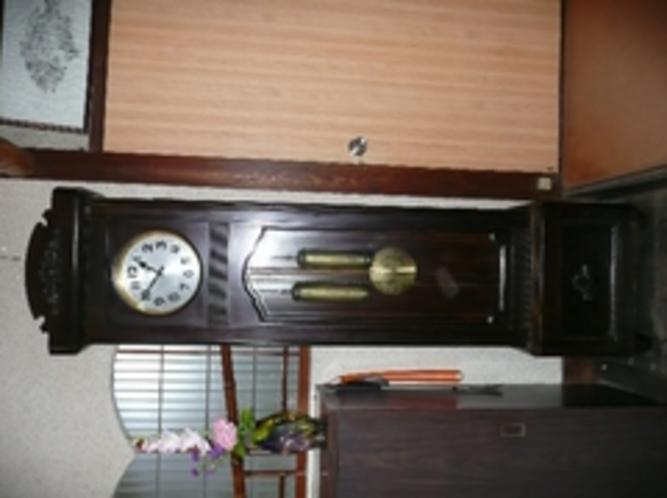 山根旅館と共に歴史を刻んでいる振り子時計
