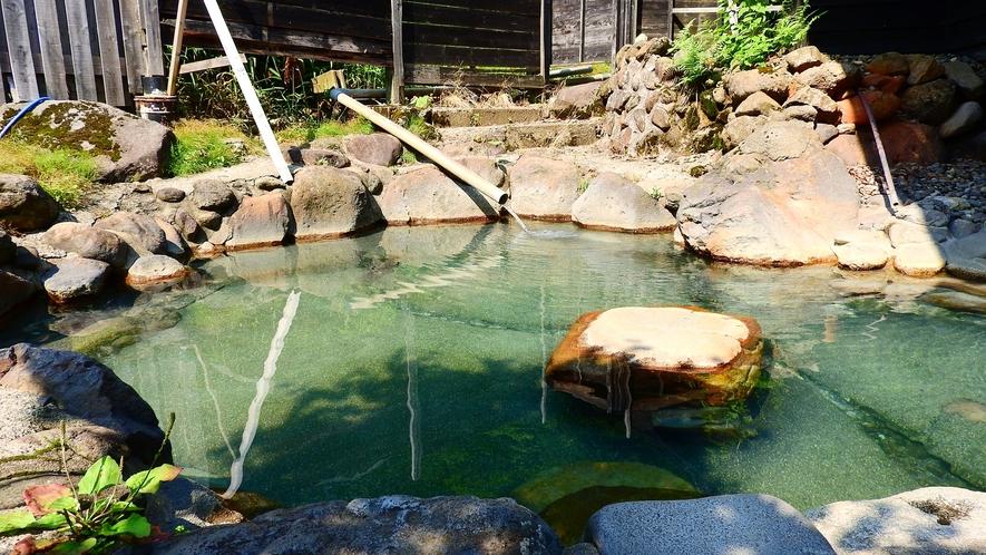 *【露天風呂】季節や天候によって表情の変わる露天風呂で、じっくり湯治気分を。