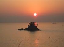 日本の夕陽百選にも選ばれた松島の夕陽。当宿から徒歩にて約10〜20分です。