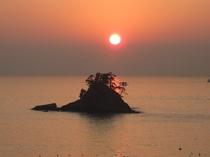 日本の夕陽百選にも選ばれた松島の夕陽。当宿から徒歩にて約10〜20分です。2