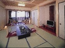 海一望バルコニー&約5畳ゆったり広縁付き和室12畳「月」