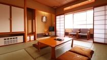 【8畳和室】ゆっくりくつろげる広縁付きの和室です
