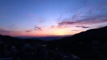 晴れた日には最高の夕日を一望