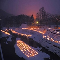 幻想的な雪の世界。。。1,000個を超える(^^♪ミニかまくらの美しいライトアップは必見です。。。