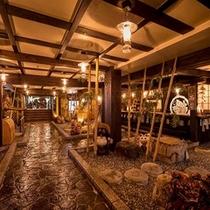 天正時代(1573~1591年)時代もの展示処併設…時感を思い起こさせる源泉宿です。。。
