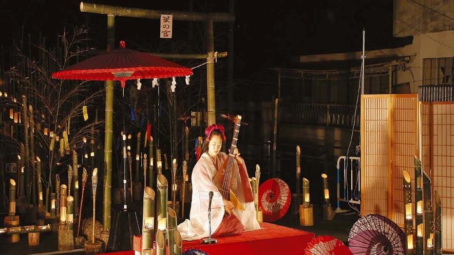 """夏の風物詩♪ロマンチックな『竹の宵まつり』に感動~~♪""""竹灯篭の灯り""""に彩られた温泉街をぶらり散策♪"""