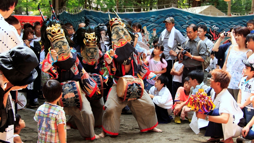 この祭りは神仏習合時代祭礼を伝える貴重なものとして県選択無形民俗文化財に指定されています。。。