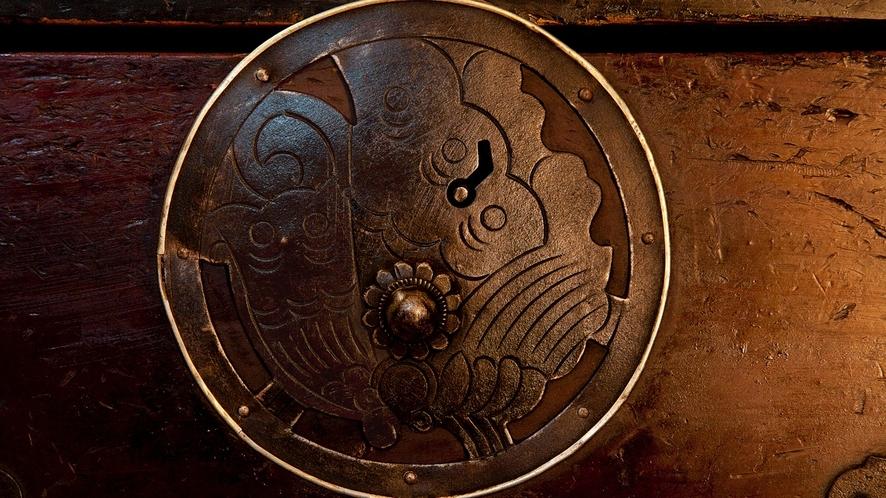 平氏一門が愛用した(揚羽蝶紋)揚羽蝶丸金具米沢箪笥の所蔵、保存状態の良いものが多く圧倒されます。。。