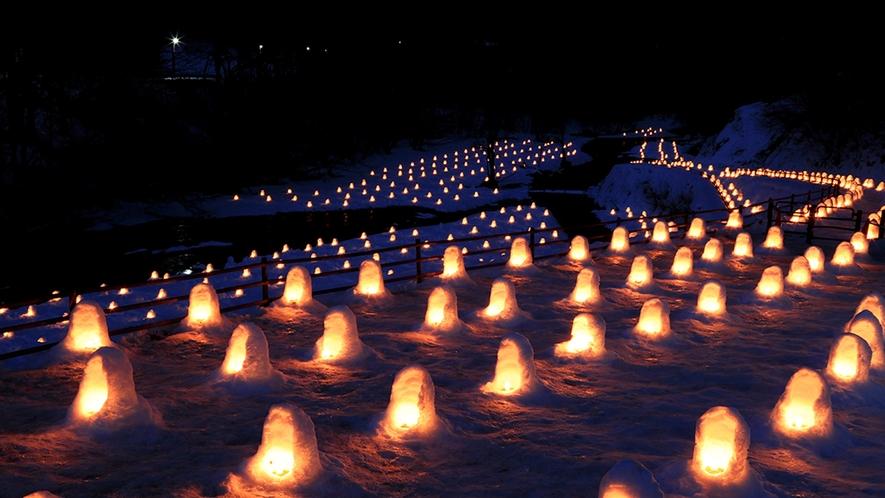 """【日本夜景遺産認定】""""冬の風物詩""""ロマンチックな『かまくら祭り』(^^♪あまりの美しさに感動~~♪"""