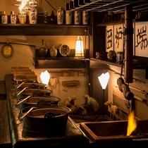 専属の職人が打つ蕎麦、下野地鶏など、『かまど料理』にはこだわりの食材が使われております。。。