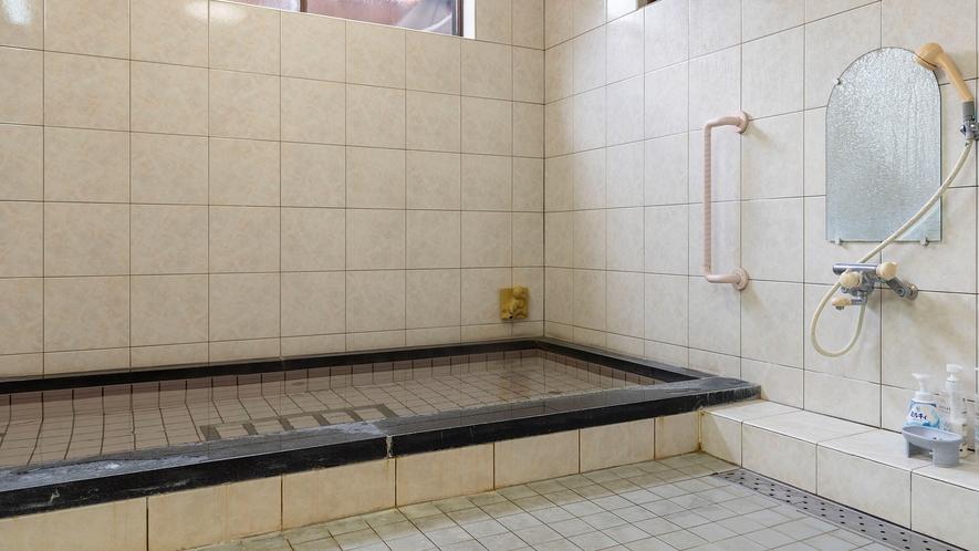 内風呂が100%浜坂温泉です。