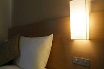 客室設備_ベッドサイド照明