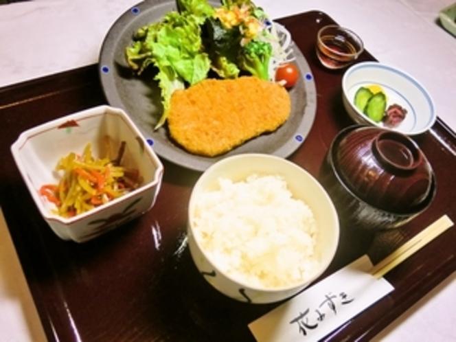 夕食(肉料理の一例)