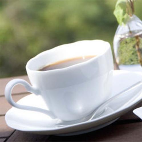 *カフェで飲む挽きたてコーヒー