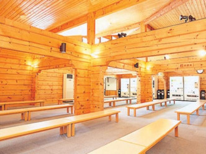 ログ建築の大休憩室