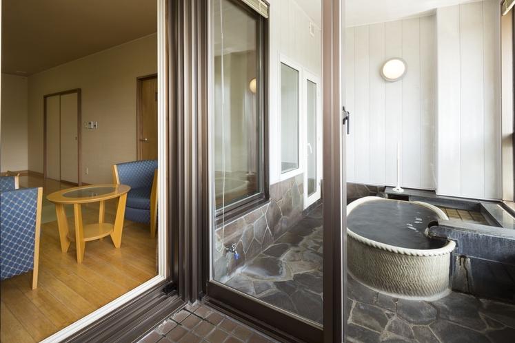 露天風呂付和室(浴室)