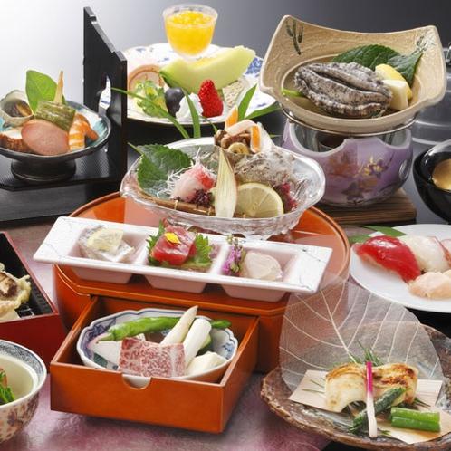 【旬彩プラン一例】鮑・寿司・天ぷらと美味を贅沢に堪能できる会席コースです。