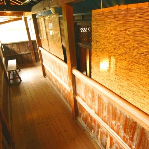温泉_湯小屋への廊下