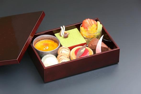 【女子旅におすすめ♪】お料理はパティシエ特製デザートがたっぷりの特別会席料理(夕朝食付)