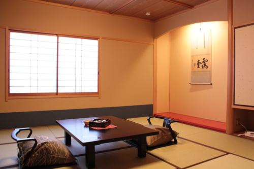 半露天風呂付き客室 3