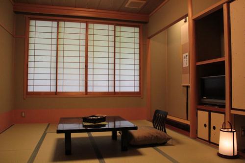 禁煙室4.5畳小部屋
