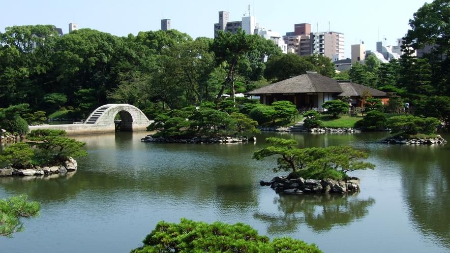 名勝 縮景園へは徒歩で約15分[写真提供:広島県]