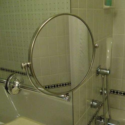 拡大鏡(全室バスルームに完備)