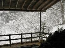 露天風呂からの雪景色