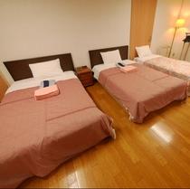 葵の間 ベッド