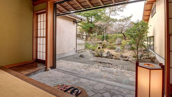 【特別室】<庭付>和室14〜15畳+土間orリビング(禁煙)