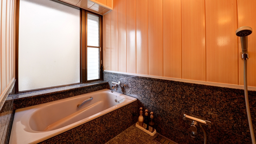 *【庭付き和室(14畳)】1階/お風呂 ※一例