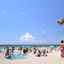 *【由比ヶ浜海水浴場】夏/当館から水着で行くこともできます(徒歩3分)※写真提供:鎌倉市観光協会