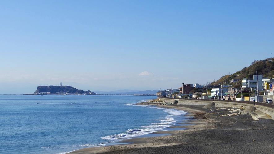 *【江ノ島】海岸から望む江ノ島(車で10分/電車で30分)