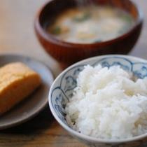 【朝食】南小国の美味しいご飯とお味噌汁