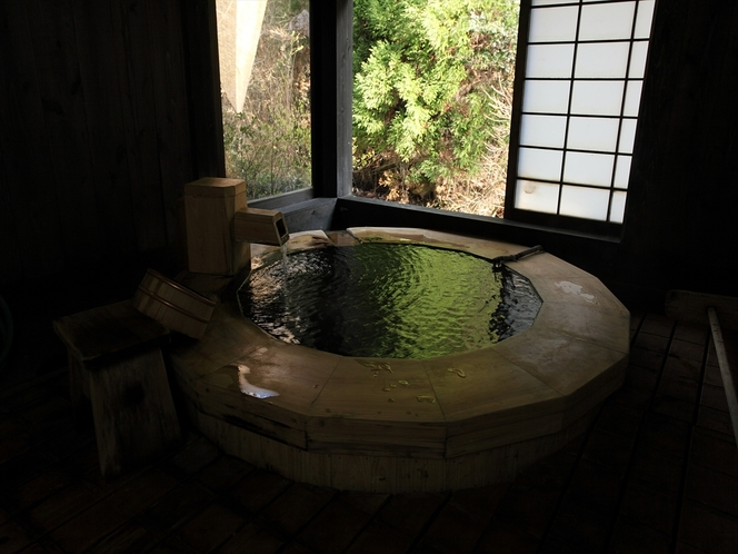 風情溢れる貸切風呂